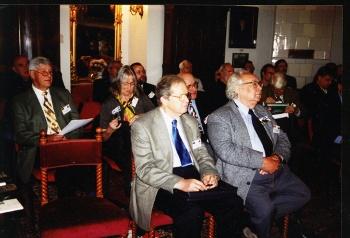 Konferencja w Kórniku w 2002 roku, po prawej Nathan Divinsky